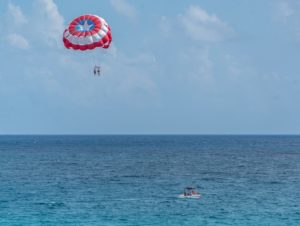 parasail in Cancun